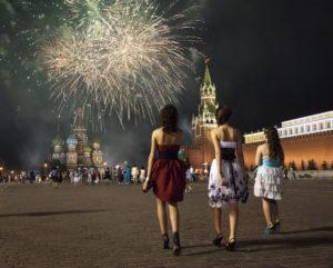 ФОТОСЪЁМКА ПОСЛЕДНИЙ ЗВОНОК. Красная площадь салют